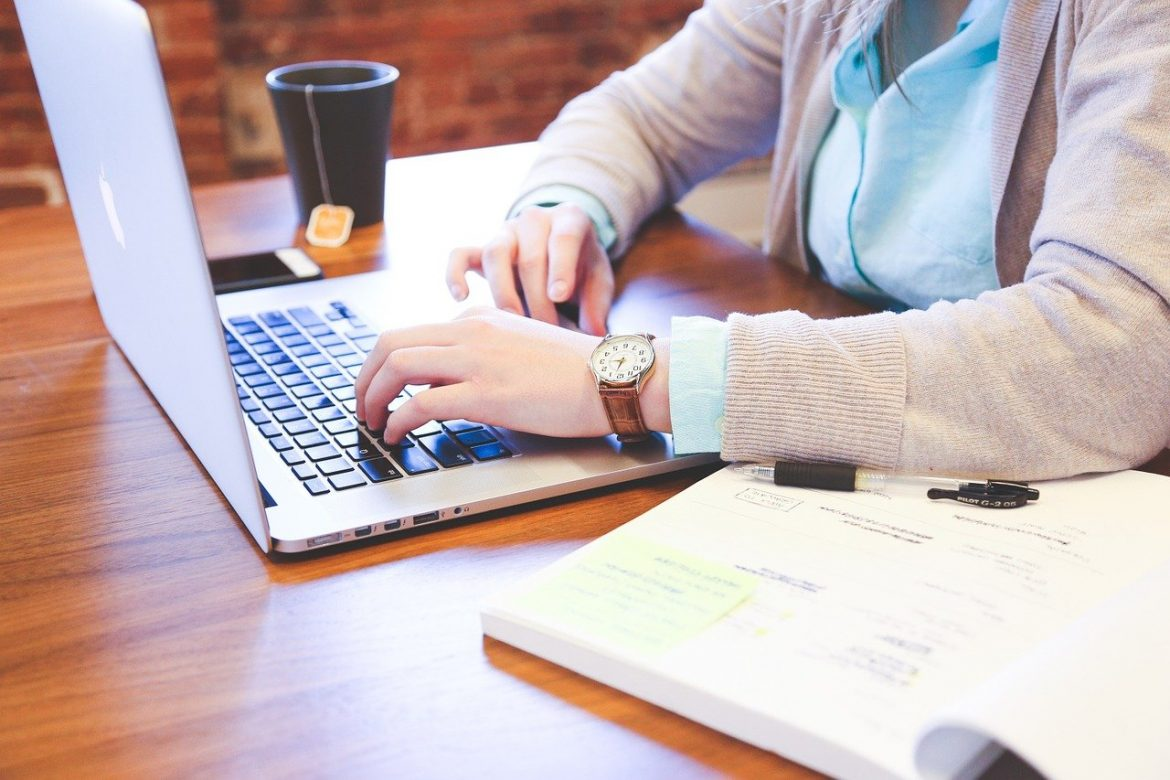 Benefits of Outsourcing Your Bookkeeping Tasks