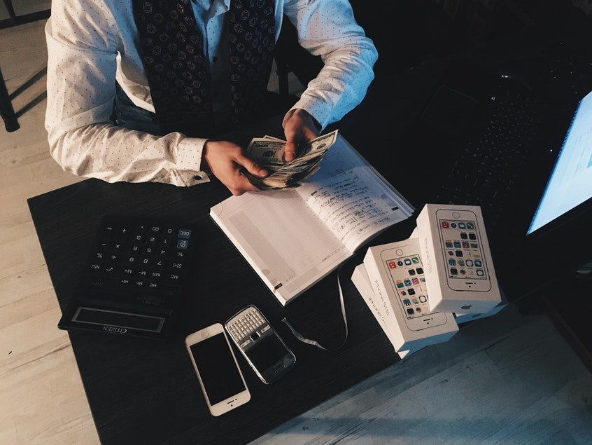 Bookkeeping and Accounts Outsourcing Services to Improve Business