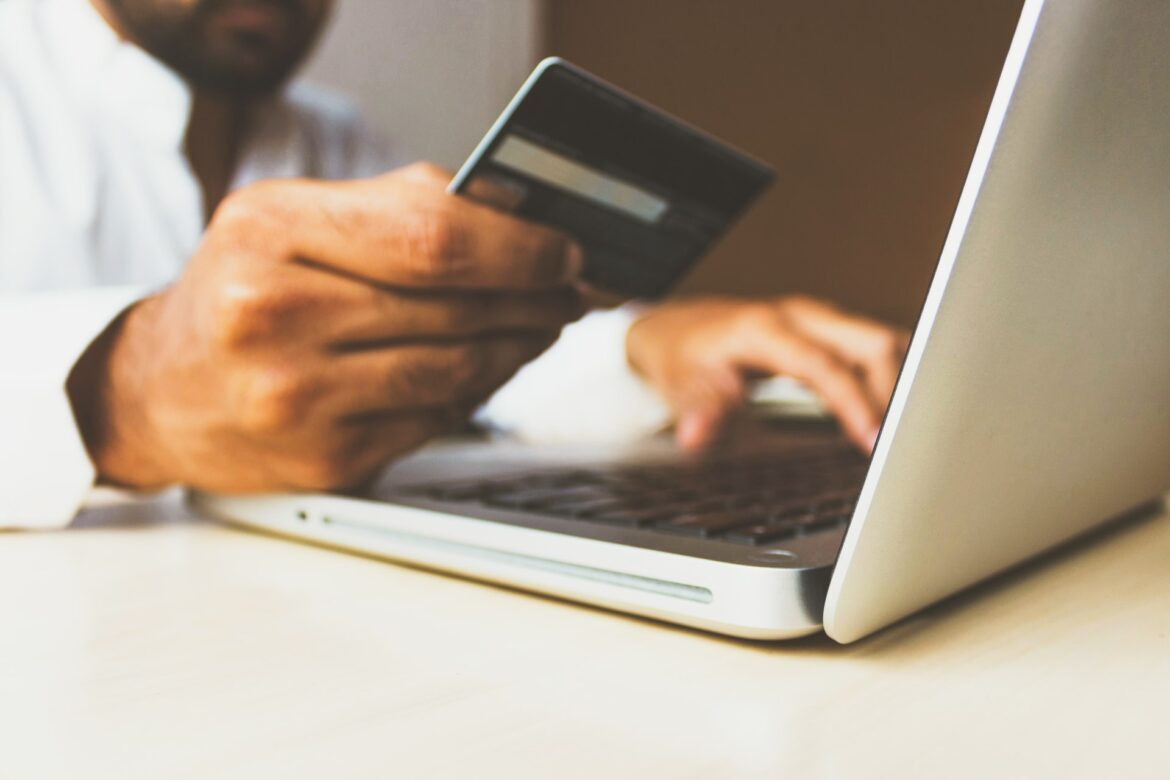 10 Tips on Opening an E-commerce Marketing