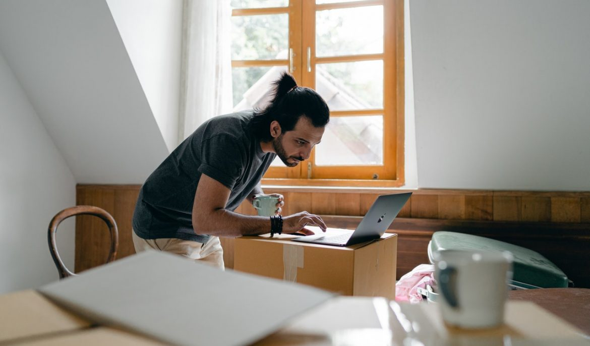 Picking right packers and movers – Simplifying Home and Office Moving